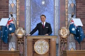 David Miscavige, styreformannen for Religious Technology Center og Scientologi-religionens kirkelige leder stod for innvielsen av den nye Scientologikirke i Melbourne.